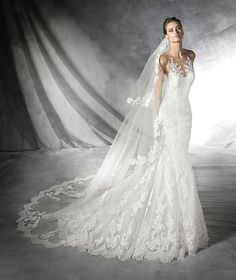Pronovias gown~In love with this dress and veil <3 not sure if the PLADIE or TELSIS, or something similar. Must find out!