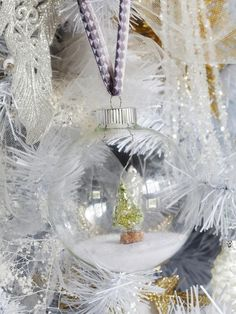 #DIY snow globe #Christmas decoration>> http://www.hgtv.com/handmade/10-easy-to-make-holiday-tree-ornaments/pictures/page-2.html?soc-pinterest