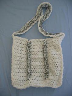 Free Crochet Pattern Gray V Loop Purse