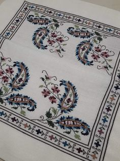 Cross Stitch Borders, Cross Stitch Designs, Cross Stitching, Cross Stitch Patterns, Border Embroidery Designs, Ribbon Embroidery, Crochet Ripple Afghan, Crochet Fabric, Bargello