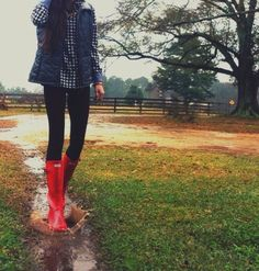 10+Cute+Outfits+with+Red+Hunter+Rain+Boots