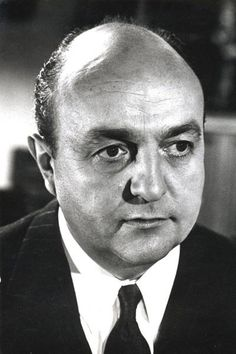 † Bernard Blier (January 11, 1916 - March 29, 1989) French actor, o.a. known from the movie '...Sans laisser d'adresse' from 1951.