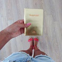 Altın metalik Pasaport kılıf  #serapaktugleathergoods #travel #accessories #seyahat #aksesuar #passportcover #pasaportkılıf #deripasaportkılıf #yolculuk #keyif #enjoyyourlife