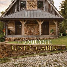 Rustic Cabin Decor, Rustic Cottage, Rustic Cabins, Small Rustic House, Rustic Houses, Lodge Decor, Rustic Wood, Small Barn Home, Rustic Barn Homes