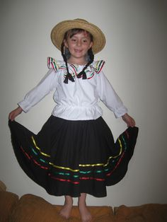 Handy Mom: Disfraz de campesina colombiana Colombian Girls, Folklore, Diy Clothes, Cheer Skirts, Dress Up, Sewing, Vintage, D1, Ideas