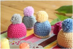 Knitting Patterns Yarn I was asked if I could crochet a few egg warmer. Crochet Egg Cozy, Crochet Amigurumi, Amigurumi Patterns, Crochet Dolls, Knitting Patterns, Knit Crochet, Crochet Hats, Easter Crochet Patterns, Knitted Flowers
