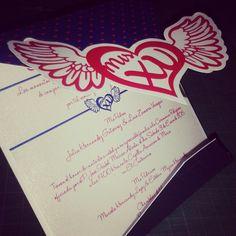 Invitación Quiceañera Impresión digital y suaje corazón  Medida: 12.5cm x 12.5cm