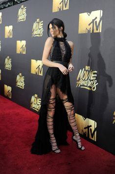 Kendall Jenner at the MTV Movie Awards - The Most Beautiful Gowns of 2016 - Photos