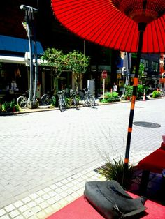31.July  prevent a sunburn  炎天や 支配する昼 傘下なる