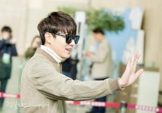 Lee Min Ho at Gimpo Airport in Korea going to Beijing, 20141030.