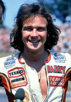 Sheene was known for being outspoken in his criticism for what he considered to be dangerous race tracks, most notably, the Isle of Man TT course, which he considered too dangerous for world championship competition. He was a colourful, exuberant characte Motorcycle Racers, Racing Motorcycles, Vintage Motorcycles, Honda, Isle Of Man, Sports Photos, Champions, Road Racing, Courses