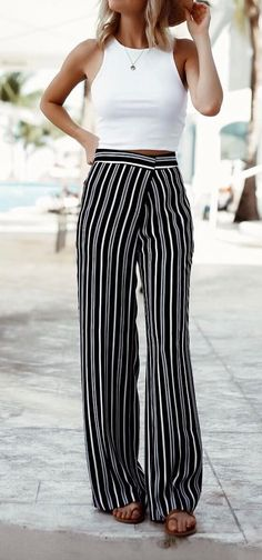 White and black outfit idea: top + wide legs pants