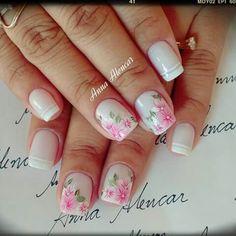Unha delicada de Anna Alencar. Sensitive nail by Anna Alencar.  Uña sensible por Anna Alencar. Unghie sensibili di Anna Alencar.