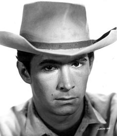 Anthony Perkins Hollywood Actor, Classic Hollywood, Norman Bates, Anthony Perkins, Hot Cowboys, Cowboy Up, Western Movies, Handsome Guys, Actor Model