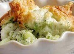 Broccoli Spoon Bread! Cream of Wheat is simply good food for the body & soul! creamofwheat.com #healthy #homecooking #creamofwheat #broccoli #bread #veggies #cooking #recipe