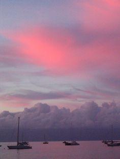 Lahaina sunset: makes me instantly feeling happy! What a beautiful sunset with those shades of rose and gray. Lahaina Maui, Kauai, Aloha Hawaii, Hawaii Travel, Places To Travel, Places To Visit, West Maui, Trip To Maui, Good Night Moon
