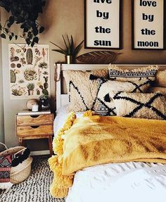 Bohemian Bedroom Decor Ideas - Want to add fashionable flair to your room? Think about utilizing bohemian, or boho, style inspiration in your next room redesign. Dream Bedroom, Master Bedroom, Bedroom Yellow, Warm Bedroom Colors, Earthy Bedroom, Warm Cozy Bedroom, Bedroom Colour Schemes Warm, Fall Bedroom, Bedroom Simple