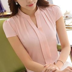 2016 New Office Women Shirts Blouses Pink Purple Elegant Ladies Chiffon Blouse Short Sleeve Más Source by blouses style Blouses Roses, Bluse Outfit, Shirt Bluse, Mode Inspiration, Mode Style, Elegant Woman, Blouse Designs, Blouses For Women, Cute Blouses