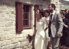 Robe: Jeanne Lannurien Mariés: Suzanne & Clément #jeannelannurien #bride #wedding #dress #frenchstylist #madetomeasure #mariage  #robedemariee #couple #happyday #creatricederobedemariee #bretagne #france #surmesure #WeddingDresses #mariée #décolleté #futuremariée #beautiful #frenchwedding
