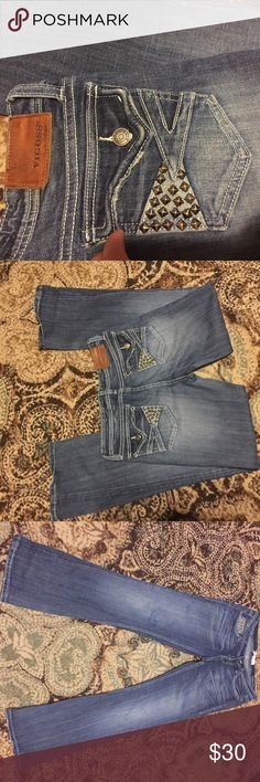 Vigoss jeans Studded design on pockets. No flaws. Size 7. Check out the rest of my closet to bundle!:) Vigoss Jeans Boot Cut