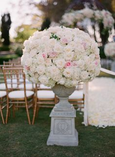 Photography: esther sun photography - esthersunphoto.com  Read More: http://www.stylemepretty.com/2015/04/23/formal-greystone-mansion-wedding/