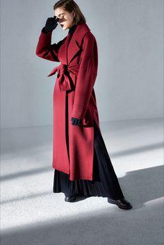 Sfilata Max Mara Atelier Milano - Collezioni Autunno Inverno 2018-19 - Vogue 2a774431d43