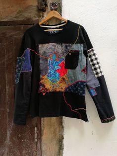 Patchwork T-shirt, boro t-shirt with sashiko stitching, wearable art, mom's vintage fabrics, eco clo Eco Clothing, Upcycling Clothing, Unique Clothing, Diy Fashion, Fashion Design, Origami Fashion, Recycled Fashion, Vintage Fabrics, Look Cool