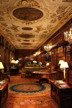 The Library of Chatsworth House in Derbyshire, England. I shall not extoll over this amazing room, as it speaks for itself. There is one more interior shot of Chatsworth House to come (I have saved. Beautiful Library, Dream Library, Bar Deco, Casa Retro, Style Anglais, Chatsworth House, English Manor, Home Libraries, Derbyshire