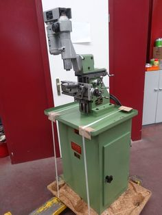 Praezisions-Universal-Fraesmaschine SIXIS Typ S101/F1