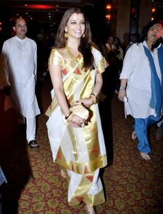 #FilmyFriday  #AishwaryaRai looks splendorous in this #traditional #saree drape. Guess which #style of saree #drape is she sporting? 1:#Gujarati Style 2:#Bengali Style 3:#Rajrani Style 4:#Maharashtrian Style