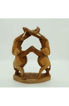 """Tanzendes"" Elefantenpaar  Geschnitzt aus massivem afrikanischen Holz  ca. 19 x 14 x 6 cm  Handgefertigt in Kenia #JOY #Einzelstücke #handcrafted #handmade #carved #handcarved #handgefertigt #handgeschnitzt #elefant #elefante #elephant #elefanten #elefantenpaar #tanzen #dancing #holzdeko #dekoration #decoration #holz #wood #pairofelephants #kenia #africa #unikat #unique #oneofakind #uniquepieces #dekoliebe #dekoideen #deko #Geschenkartikel #Geschenk #gift #vatertagsgeschenk…"