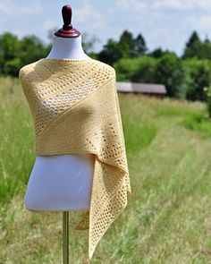 This pattern is part of the Stroll into Fall KAL running until October 31st ~ come join the fun!