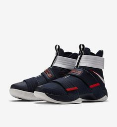 Here are official pictures and release date for the upcoming Nike Zoom LeBron Soldier 10 'USA' which will celebrate Independence Day. Nike Lebron, Tenis Basketball, Girls Basketball Shoes, Lebron James Soldier 10, Nike Factory Outlet, Nike Outlet, Lunar Shoes, Reebok, Nike Shoe Store
