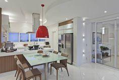 Cozinha branca e amadeirada com península-linda! - Decor Salteado - Blog de Decoração e Arquitetura