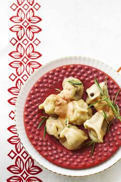 Pelmeni Dumplings Story and styling: Kati Pohja Photo: Timo Villanen Kotivinkki www. Work Meals, Dumplings, Risotto, Potato Salad, Cauliflower, Goodies, Pizza, Vegetables, Fruit