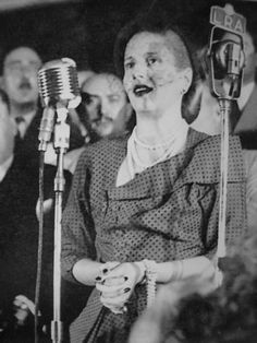 Eva Peron addresses the crowd. President Of Argentina, Scenic Design, Queen, Style Icons, Crowd, History, Llamas, Thesis, Famous People