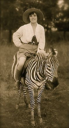 studiojudith:  Classic photo of Osa Johnson riding a Zebra … .