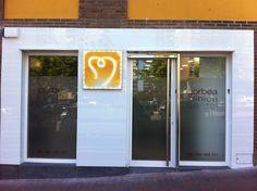 Fachada de Clínica Dental Realizada en Vitoria, Alava, Spain. +34629447373
