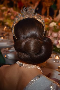 Princess Victoria Photos Photos - Crown Princess Victoria of Sweden,hair detail, attends the Nobel Prize Banquet 2015 at City Hall on December 2016 in Stockholm, Sweden. Victoria Prince, Princess Victoria Of Sweden, Crown Princess Victoria, Royal Tiaras, Royal Jewels, Crown Jewels, Royal Hairstyles, Tiara Hairstyles, Princesa Victoria