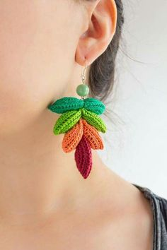 Colorful Crochet Earrings from CAESAR by LidaAccessories on Etsy Crochet Jewelry Patterns, Crochet Earrings Pattern, Crochet Accessories, Crochet Necklace, Bar Stud Earrings, Diy Earrings, Earrings Handmade, Handmade Jewelry, Quilling Earrings