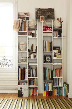 10 Wonderful Minimalist Bookcase Design For Best Living Room Organization Ideas Bookshelves For Small Spaces, Bookshelves In Bedroom, Small Bookcase, Cool Bookshelves, Bookshelf Design, Bookshelf Ideas, Ladder Bookcase, Bookshelf Decorating, Luxury Houses