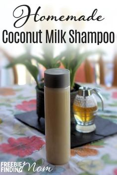 Can you name the ingredients in your shampoo? If not, you may want to consider whipping up a batch of this homemade coconut milk hair shampoo. Not only will this homemade hair shampoo recipe give you healthy, gorgeous hair, but itll be easy on your walle Shampoo Alternative, Coconut Milk For Hair, Coconut Milk Shampoo, Honey Shampoo, Coconut Bowl, Diy Shampoo, Homemade Shampoo Recipes, Homemade Soaps, Homemade Facials