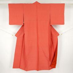 Pink red, silk komon kimono / 紬地のようなマットな手触りの小紋 http://www.rakuten.co.jp/aiyama #Kimono #Japan #aiyamamotoya