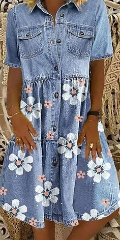 Artisanats Denim, Denim And Lace, Casual Summer Dresses, Nice Dresses, Chic Outfits, Fashion Outfits, Denim Shirt Dress, Patchwork Dress, Printed Denim