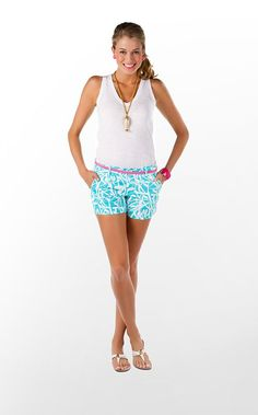 I need these shorts and belt !! So cute for the summer <3 :D