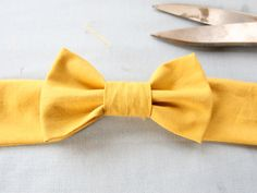 This is a belt, but I want to make one of these, just the bow, for my hair at work.
