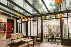 View the full picture gallery of Hotel Sacha Pergola Swing, Pergola Patio, Living Styles, Home And Deco, Terrazzo, Sweet Home, House Design, Interior Design, Architecture
