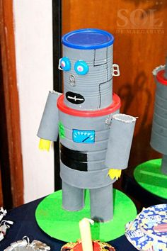 Junk Modelling, Diy Robot, Craft Activities, Crafts, Marvel Images, Baby Dolls, Craft, Ideas, Activity Toys