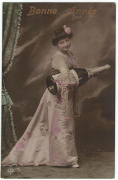 New Year Champagne Party Edwardian Lady Fancy Romantic Adorable Portrait with XXL Size Bottle. Vintage Wine, Vintage Ladies, Pink Ladies, Vintage Cards, New Year Photos, Older Models, Pink Gowns, Oui Oui, Aesthetic Images