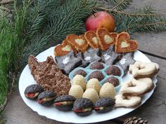 cukroví7 Gingerbread Cookies, Waffles, Cooking, Breakfast, Desserts, Recipes, Food, Cakes, Gingerbread Cupcakes